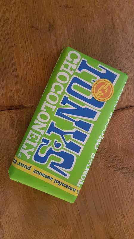 Tony Chocolonely: amandel/zeezout