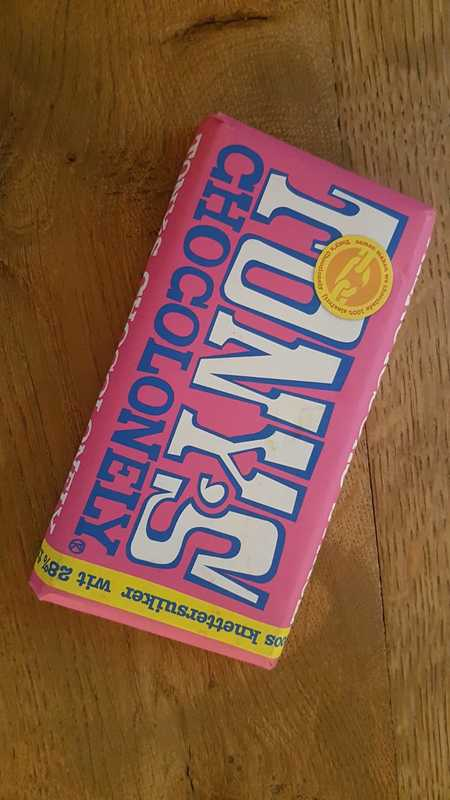 Tony Chocolonely: wit/knettersuiker