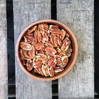 Gebrande pecannoten gezouten