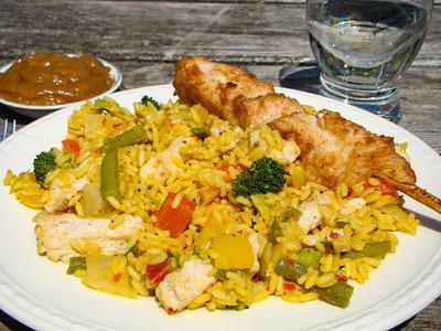 Nasi met sate (500 gram)