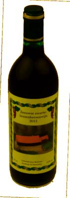 Zwarte bessen-kersen wijn